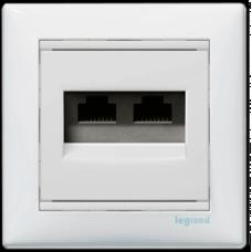Розетка компьютерная 2xRJ45 STP кат.6e Valena 774245 белая