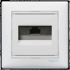 Розетка компьютерная RJ45 UTP кат.6e Valena 774246 белый